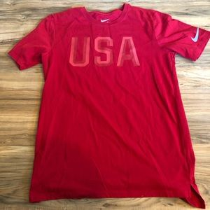 Men's Nike red USA T-shirt size small
